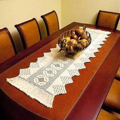 PATRONES GRATIS DE CROCHET: Patrón elegante camino de mesa a crochet