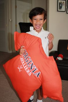 T-shirt pillow ... what a FANTASTIC idea for an old, but favorite college or sorority shirt!