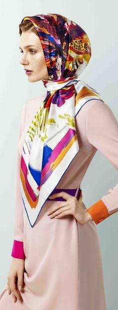 how elegant ! Quirky Fashion, Fashion Now, Colorful Fashion, Hijab Fashion, Ways To Wear A Scarf, How To Wear Scarves, Hijabs, Head Scarf Tying, Hijab Stile