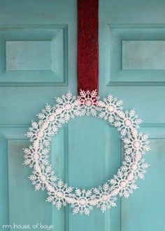 Tutorial for snow flake wreath: House of Noise... I mean boys.: Snowflakes keep falling on my head