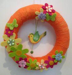 πασχαλινα στεφανια - Αναζήτηση Google Door Wreaths, Yarn Wreaths, Easter Crafts, Seasons, Door Hangers, Diy, Google, Feltro, Flowers