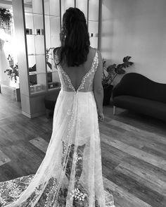 3D lace wedding dress - Mira Mandic bride | M I R A M A N D I Ć (@miramandic)