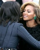 #Beyonce rocked some 130-carat #emerald earrings at the Presidential Inauguration, worth an estimated 2.5 million dollars.