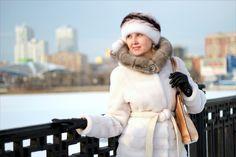 Portrait girl in winter city
