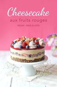 Parce que c'est beaucoup plus local, je vous propose un cheesecake vegan aux fruits rouges à base de pruneaux d'Agen ! Cette recette est composée d'une base crue (pruneaux + oléagineux), d'une crème à base de noix de cajous et de tofu soyeux sucrée aux pruneaux, d'une gelée de framboise et d'une crème décorative aux fruits rouges.Le tout vegan et sans gluten ! www.sweetandsour.fr