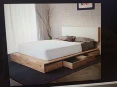 Sofa parte da cama viúva, com gavetas embaixo.