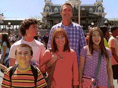 middleabc: Sue's too excited for her own good! #TheMiddle's headed to Disney World during a 1-hour season final event starting at 8|7c tonight! The Hecks together on a family vacation to Disney World?! Yes please! Today, we are all Sue Hecks waiting for this finale!