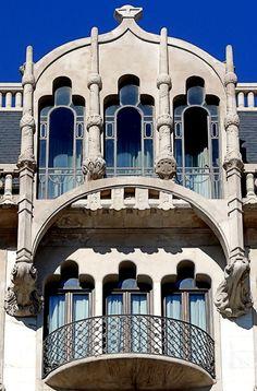 Barcelona - Gran de Gràcia 002 f Casa Fuster 1911 Architect: Lluís Domènech i Montaner