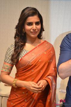 Akhil and Samantha @ South India Shopping Mall