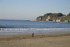 夏を待つ湘南。海水浴シーズン前はサーファー達の天国