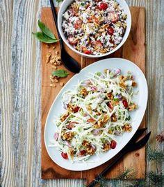 waldorfsalat med pærer i skål