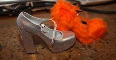 Quali #scarpe indossare sotto la #pelliccia? Ecco le ultime mode dettate dalle #furshoes www.sheri.it #SHERì #handmade #madeinitaly #fur #fashion #shoes #furcoat #luxury #kimkardashian