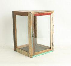 Presentatie kastje van scrapwood met rond om glas | Living Roots
