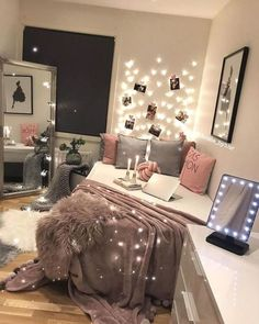 45 Amazing Room Ideas for Teen Girls # Check more at schlafzimmer.fris 45 Amazing Room Ideas for Teen Girls # Check more at schlafzimmer.fris The post 45 Amazing Room Ideas for Teen Girls # Check more at schlafzimmer.fris appeared first on Zimmer ideen. Pink Bedroom Decor, Teen Room Decor, Diy Bedroom, Modern Bedroom, Bedroom Themes, Bedroom Vintage, Bedroom Beach, Bedroom Romantic, Bedroom Small