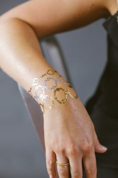 1000 images about gold henna on pinterest gold henna for Metallic tattoo ink