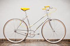 Gazelle Tour de France Lady (size M, body height cm how to pimp your ride # love the yellow Peugeot Bike, Bmx Girl, Coral Charm Peony, Pink Bike, Urban Bike, Bicycle Girl, Bike Art, Vintage Bicycles, Cruiser Bikes