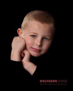 children, child, portrait, portraiture, richmond, virginia, wolfgang jasper, photography, fine art photography, fine art portraits, studio, www.howldog.com
