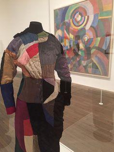 Sonia Delaunay, Robert Delaunay, Giacomo Balla, Picasso, Quirky Fashion, Fashion Art, Art Alevel, Antique Clothing, Textile Artists