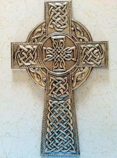 I saw more Celtic crosses and designs in Scotland than I did in Ireland. Celtic Symbols, Mayan Symbols, Celtic Knots, Egyptian Symbols, Ancient Symbols, Celtic Patterns, Celtic Designs, Celtic Heart, Celtic Crosses