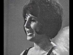Dlouhá bílá noc, (Strangers In The Night složili B.Kaempfert, Ch.Singleton, E.Snyder), český text Jiřina Fikejzová a nazpívala Judita Čeřovská v roce 1967