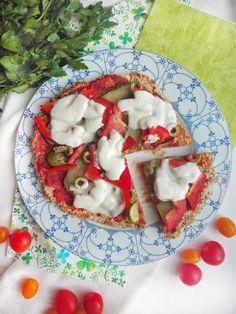 Zdrowa pizza z patelni na twarogowym spodzie. Gotowa w kilka minut! Caprese Salad, Pizza, Cooking, Food, Kitchen, Essen, Meals, Yemek, Brewing