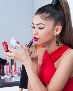 """Those brows, that lipstick, that cat eye…new COVERGIRL zendaya = makeup goals. Get the makeup list for Zendaya's look below, and stay tuned for more…"""