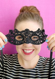 Masquerade Mask pattern by Alexis Middleton FREE CROCHET PATTERN - This one is easy!