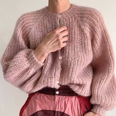 Need this outfit stat. Crochet Cardigan, Knit Crochet, Pullover Mode, Mohair Sweater, Knit Picks, Sweater Fashion, Knitwear, Knitting Patterns, Sweaters For Women