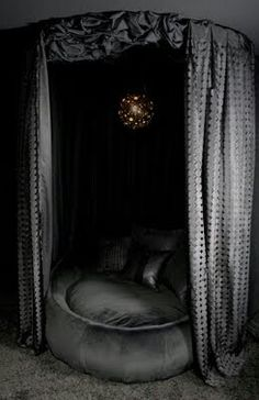 Wonderful glam daybed: grey iron velvet textures