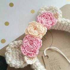 Ganchillo diadema oso con rosas Petite en por sideprojectsdesign