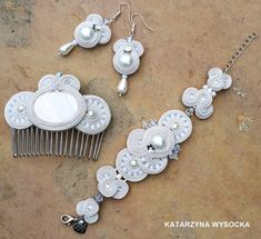 pearl and crystal bridal vintage off white от AtelierMagia на Etsy Soutache Bracelet, White Gowns, Tiny Flowers, Hair Comb, Shibori, Seed Beads, Jewerly, Off White, Party Dress