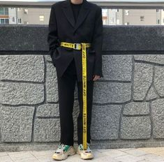 27 Ideas For Sneakers Men Style Galleries Off White Fashion, High Fashion, Mens Fashion, Fashion Outfits, Boy Outfits, Korean Fashion, Kanye West, Off White Belt, Mode Chic