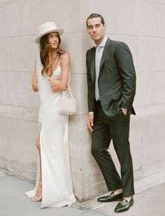 All the Details of Rocky Barnes + Matthew Cooper's Seriously Stylish + Dreamy Bohemian Wedding | Green Wedding Shoes Rehearsal Dinner Outfits, Wedding Rehearsal, Rehearsal Dinners, Bridal Hat, Bridal Style, Costumes Assortis, 00s Mode, Wedding Hats, Wedding Dresses