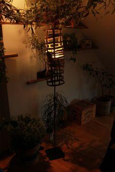 Wooden lampshade. Info: http://handmade-decorating.wix.com/hand