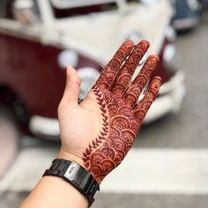 Mehndi Designs For Navratri 2018 Palm Mehndi Design, Henna Tattoo Designs Simple, Finger Henna Designs, Full Hand Mehndi Designs, Henna Art Designs, Stylish Mehndi Designs, Mehndi Designs For Beginners, Mehndi Designs For Girls, Wedding Mehndi Designs