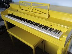 IMG_2361.JPG  A tutorial on how to paint that ugly old brown piano!