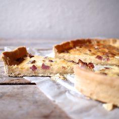 Lotrinský koláč je jeden z nejklasičtějších francouzských slaných koláčů. Jeho nepostradatelnou ingrediencí je restovaná slanina nebo ...