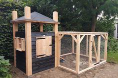Chicken Coop Pallets, Best Chicken Coop, Building A Chicken Coop, Chicken Runs, Chicken Coops, Rabbit Cages, Outdoor Dog, Green Life, Chickens Backyard