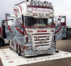 Scania Truck #scania #scaniatruck #Elassaltruckdriver #truckdriver #truckinglife #trucking #trucker #ScaniaEgypt
