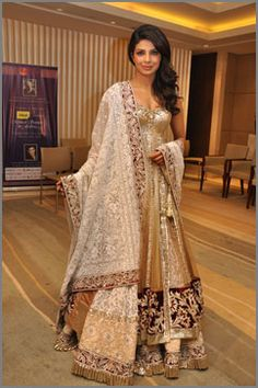 I want a Manish Malhotra couture piece so bad. Or can someone just make me a show stopper in his fashion show.