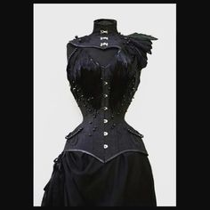 I wish I had more projects like this one :D #black #corset #corsetry #overbust #dark #goth #gothic #dress #tightlacing #feathers #pearls #steelboned #custom #made #alternative #fashion