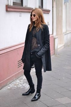 All In Black Streetstyle