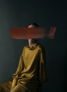 art fotografia Spanish fine art photographer Andrea Torres Balaguer deconstructs the meaning of portrait photography with her Art Photography Portrait, Artistic Photography, Abstract Photography, Couple Photography, Photography Ideas, Art Photography Women, Paint Photography, Figure Photography, Photography Backdrops