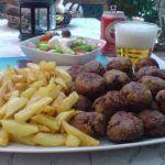 Κεφτεδακια της γιαγιας !!! Almond, Beef, Chicken, Foods, Meat, Food Food, Food Items, Almond Joy, Ox