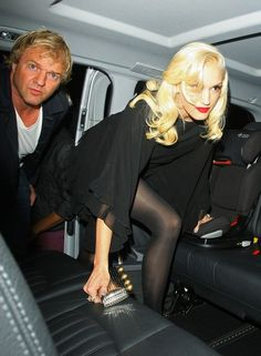 Gwen Stefani Photos Photos - Sexy blonde singer Gwen Stefani seen with her No Doubt bands mates leaving from the Novikov restaurant in London. Gwen who was seen wearing a short black shirt and black tights is currently in town promoting the band's new album 'Push and Shove' which is the groups return to the the charts in over 11 years. - Sexy blonde singer Gwen Stefani seen with her 'No Doubt' bands mates leaving from the Novikov restaurant in London
