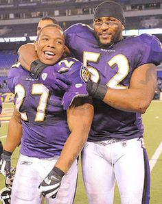 Ray Rice and Ray Lewis, Baltimore Ravens. American Football, Nfl Football, Football Players, Baseball, Football Fever, Funny Football, School Football, Football Helmets, Baltimore Ravens Players