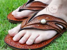 100 Handmade Crazy Indian Leather Sandals por HolyCowproducts