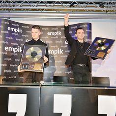 """Empik był jedynym miejscem, w który zespół Hurts spotkał się z fanami podczas trasy """"Exile""""!"""