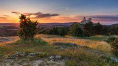 Sunset at Bathory Castle by balazoviclubos Medieval Castle, Landscape Photos, Tourism, Vacation, Mountains, Sunset, Amazing, Nature, Traveling