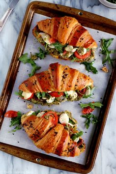 Healthy Vegetarian Recipes 65669 Salted Croissants with Tomatoes, Mozzarella and Basil Vegetarian Recipes, Cooking Recipes, Healthy Recipes, Vegetarian Soup, Burger Recipes, Brunch Recipes, Breakfast Recipes, Gourmet Breakfast, Mexican Breakfast